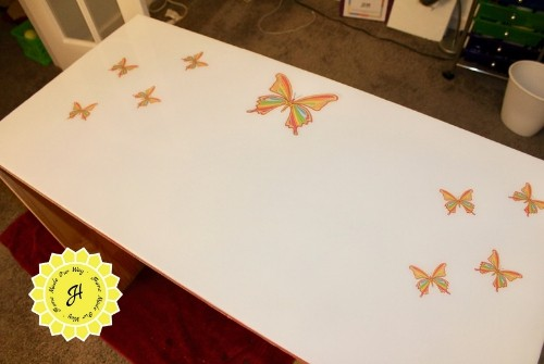 butterfly desktop table